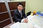 株式会社 マイタウン西武 (店長)小笠原 森