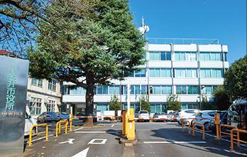 小金井市役所 約670m(徒歩9分)
