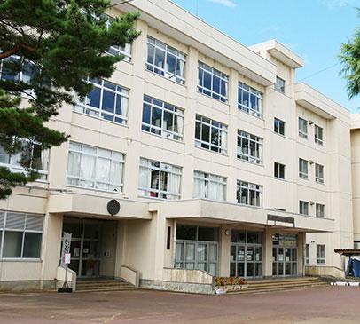 長岡市立千手小学校 約400m(徒歩5分)
