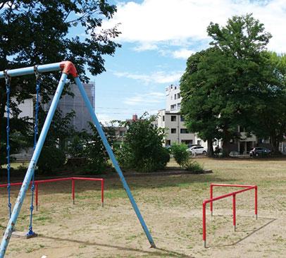 南町公園 約60m(徒歩1分)