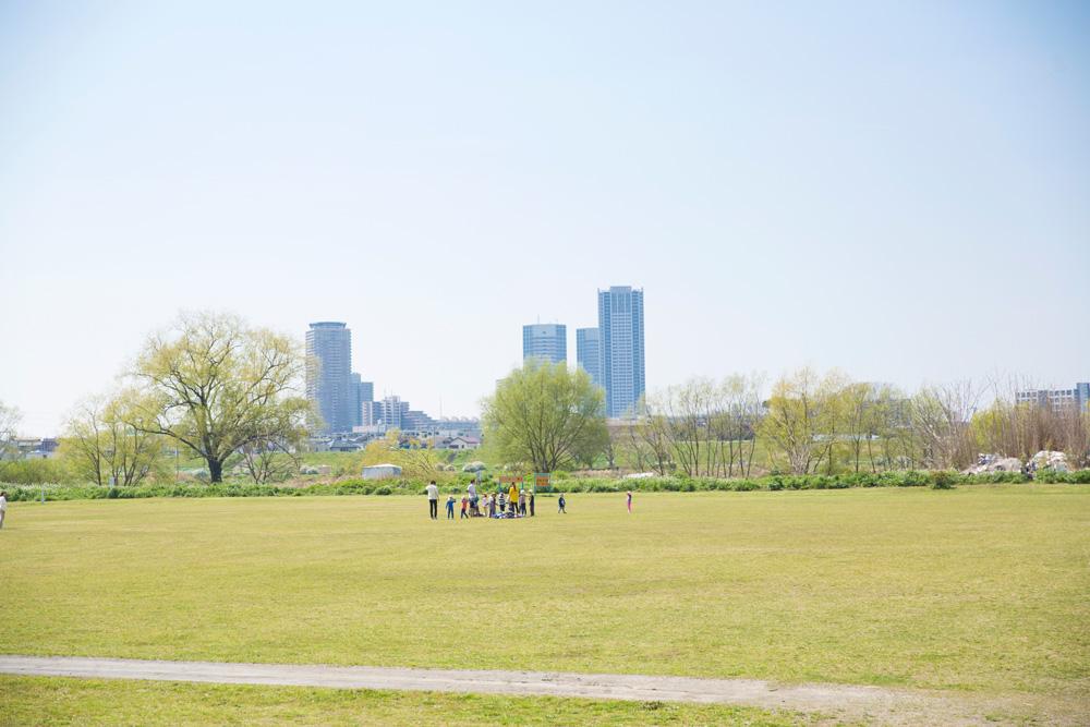 多摩川大橋緑地 約450m(徒歩6分)