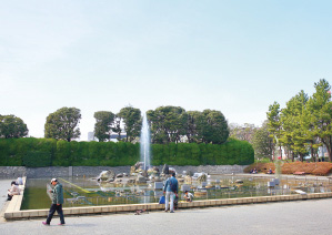 北浦和公園 約500m(徒歩7分)