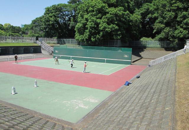 和田堀公園〈テニスコート〉 約780m(徒歩10分)