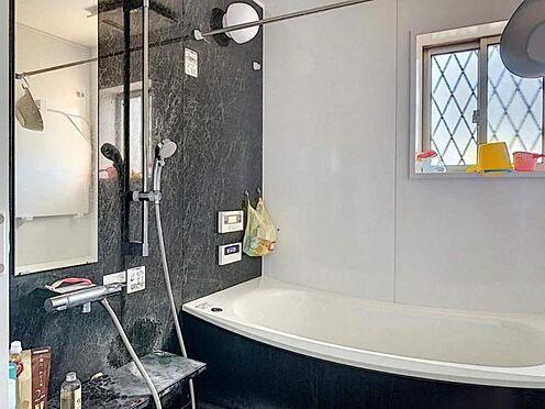 中古一戸建て-一宮市伝法寺1丁目 落ち着いた雰囲気の浴室で1日の疲れも癒されますね
