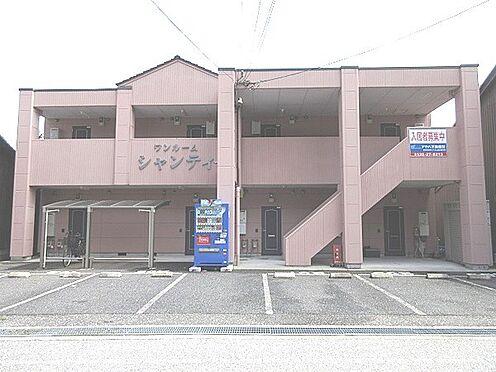 アパート-彦根市新町 南西向きの日当りの良い建物です♪駐車場は6台分あります。