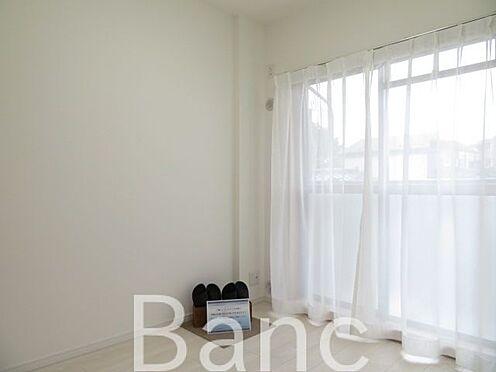 中古マンション-足立区西新井本町1丁目 明るい日差しが差し込むお部屋です