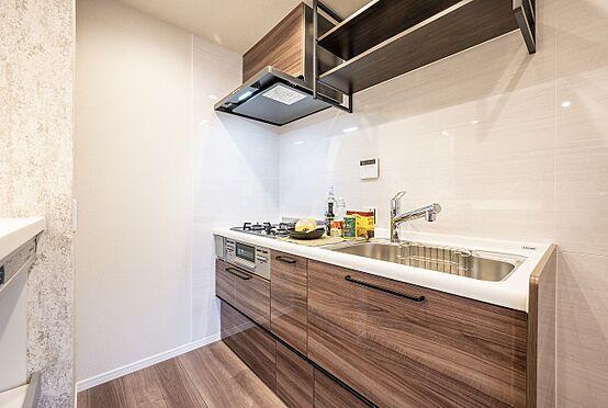 区分マンション-港区高輪2丁目 クリナップ製の3口コンロ、浄水器一体型のキッチン