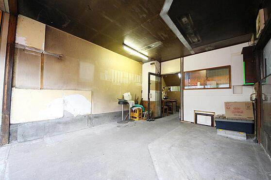 店舗付住宅(建物全部)-八王子市大和田町2丁目 スーパー、コンビニも徒歩10分以内にあり、利便性に優れた立地