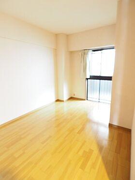 中古マンション-浦安市富士見5丁目 北側洋室6帖。専用ポーチに面しているため、プライベート感のあるお部屋です