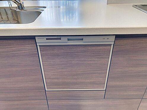 戸建賃貸-江南市高屋町十六田 食洗機完備です。家事の負担を減らします。