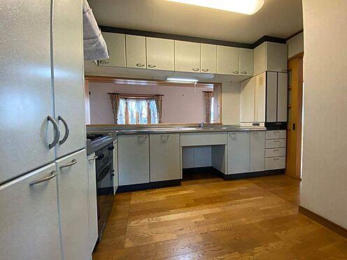 中古一戸建て-江南市曽本町幼川添 数人でキッチンに立っても十分な広さです。