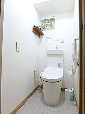 中古マンション-横浜市神奈川区栄町 手洗い付きタンクレストイレ