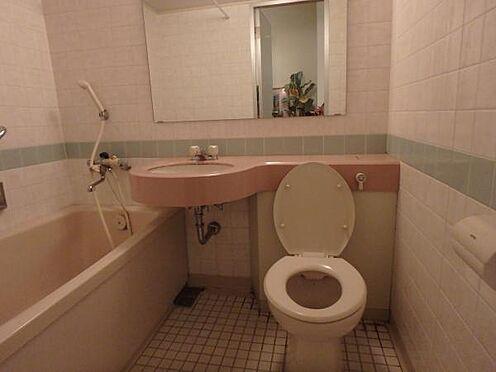 中古マンション-熱海市熱海 こちらは、ユニットバスの様子になります。リゾート利用に加え、温泉大浴場がある為使用感がありません。