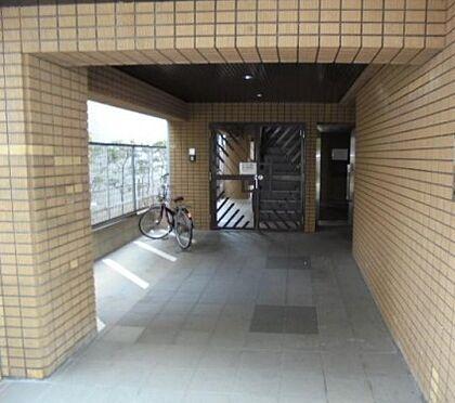 マンション(建物一部)-神戸市東灘区甲南町3丁目 キレイに清掃されたエントランス。