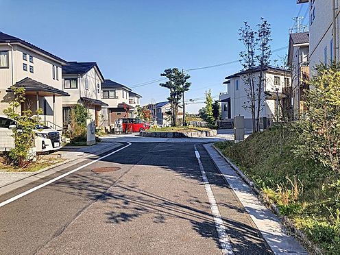 中古一戸建て-みよし市潮見 整備された歩道で毎日の通勤・通学も安心です
