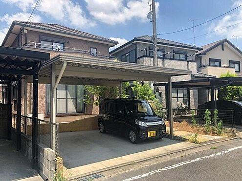 中古一戸建て-岡崎市上地2丁目 駐車は並列2台可能です。大切な愛車を守るカーポート付き!