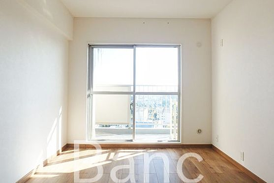 中古マンション-江東区南砂3丁目 明るい日差しが差し込むお部屋です