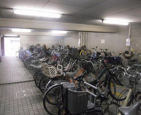 マンション(建物一部)-大阪市中央区瓦屋町2丁目 明るい印象の駐輪場
