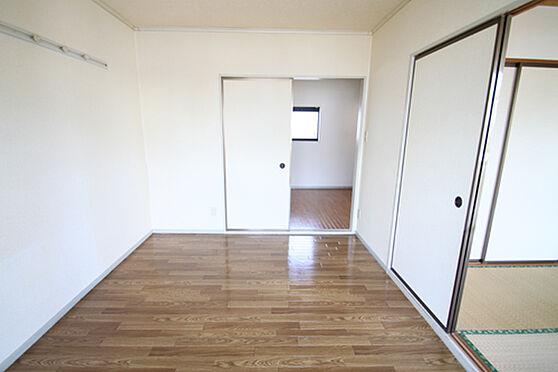 アパート-土浦市湖北1丁目 お部屋の窓からキッチンの窓へ風が通ります