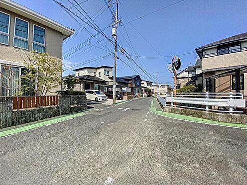 中古一戸建て-福岡市早良区飯倉4丁目 西側前面道路写真1です。