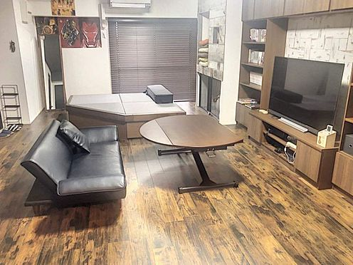中古マンション-豊田市生駒町大坪 大画面TVも余裕、インテリアプランが考えやすいワイドなリビングです!