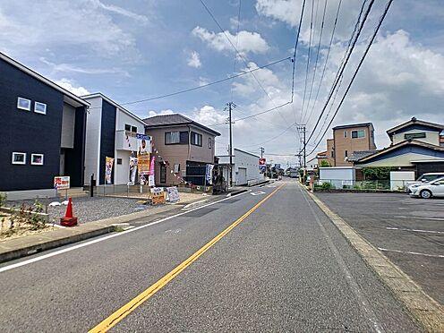 新築一戸建て-西尾市伊藤2丁目 周辺は教育施設、商業施設が充実。公園も歩いて2分のところにあり、子育てに優しい住環境です。