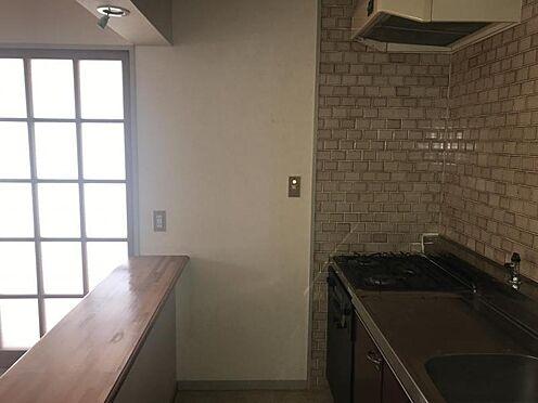 中古マンション-刈谷市富士見町5丁目 カウンターがあるので、使いやすいキッチンです。