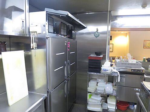 店舗(建物一部)-熱海市田原本町 厨房もきれいに清掃され使用されています。