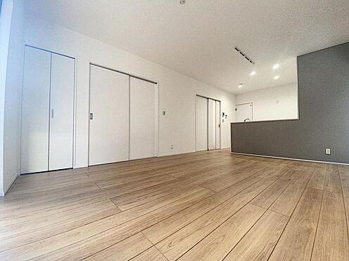 新築一戸建て-福岡市西区拾六町4丁目 家族団らんできるくつろぎスペース。