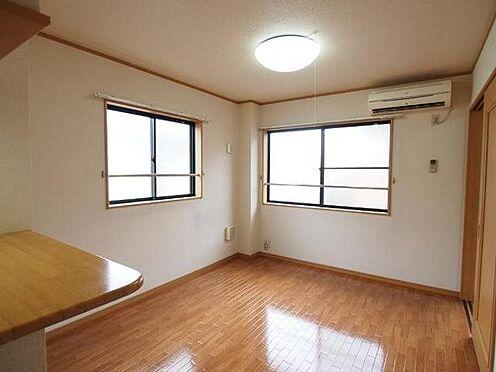 アパート-直方市大字感田 201号室リビング