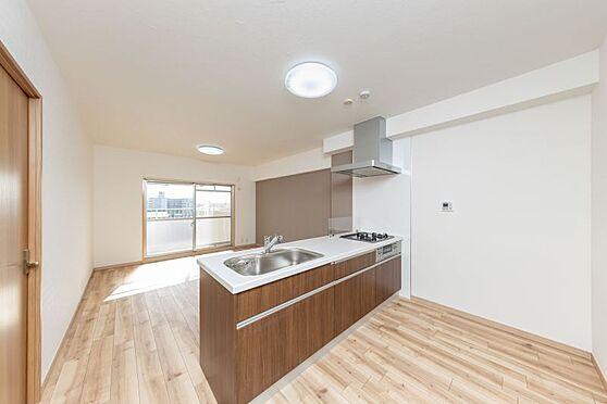 区分マンション-名古屋市南区東又兵ヱ町3丁目 キッチンは新しいものと交換されていて素敵な空間です。
