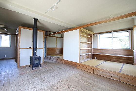 マンション(建物全部)-豊田市本新町7丁目 307号室、部屋のタイプにより煖炉付きもあります。