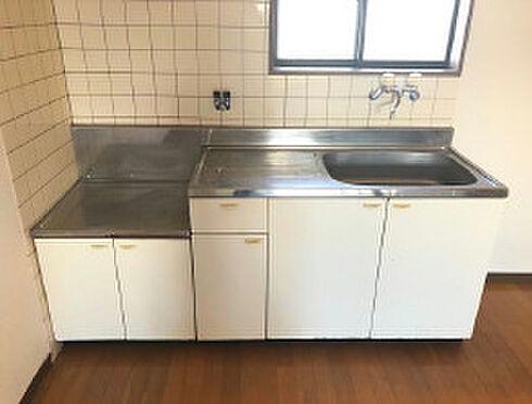アパート-鹿児島市石谷町 キッチンでお料理をお楽しみください