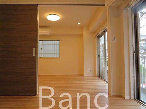 中古マンション-渋谷区代々木4丁目 開放感のある洋室