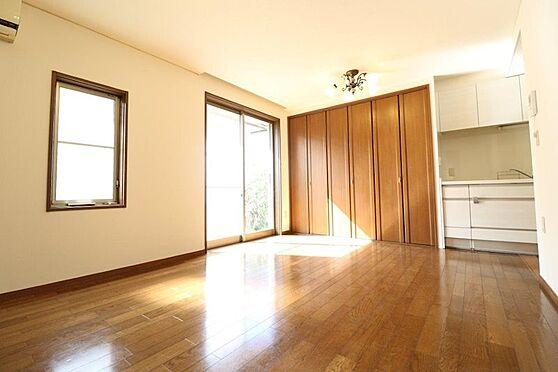 中古一戸建て-多摩市唐木田1丁目 平成25年7月にリフォームをしたリビングです。陽当たり・通風が良く床暖房も完備してます。