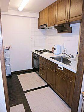 中古マンション-北佐久郡軽井沢町大字長倉 キッチンもゆったりとした広さです。