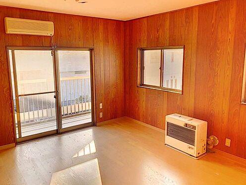 中古一戸建て-豊田市水源町2丁目 お部屋がバルコニーに面しているので、明るい光が差し込んできますね。快適な暮らしを送っていただけます。