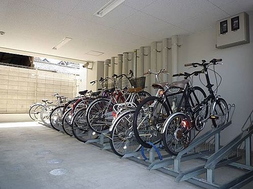 マンション(建物一部)-大阪市福島区大開2丁目 駐輪場があり、移動が楽々。