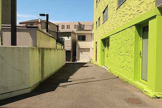 ビル(建物全部)-渋谷区代々木5丁目 前面道路