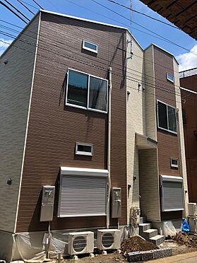 アパート-府中市美好町2丁目 ローソンまで約30m、いなげやまで約250m。買い物便利・住環境良好。