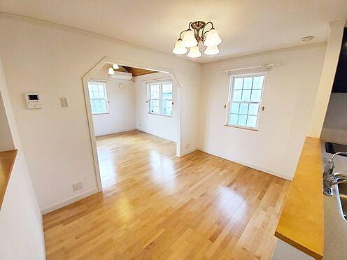 中古一戸建て-八王子市南陽台1丁目 食卓スペースも十分な広さ♪居間と食卓の使い分けがしやすい間取りです!