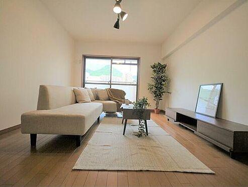 区分マンション-北九州市門司区社ノ木1丁目 ソファ・ダイニングテーブル等の家具設置済みです。お客様にプレゼントしています。