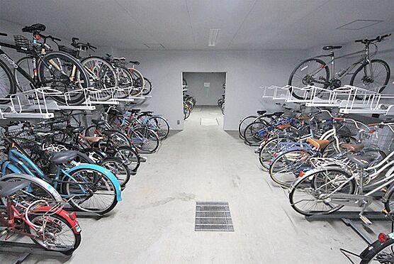 マンション(建物一部)-大阪市中央区糸屋町1丁目 雨の日も安心の屋内駐輪場