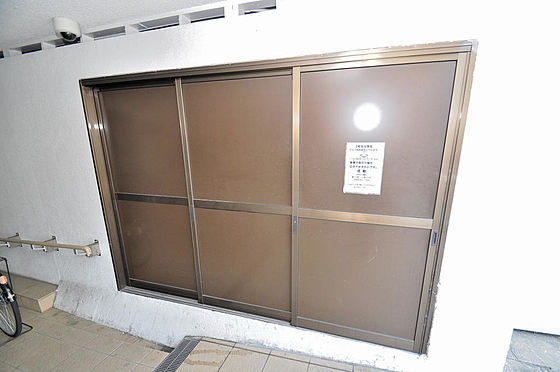 マンション(建物一部)-大阪市淀川区十三本町2丁目 ゴミ置き場もすっきりしていますね。