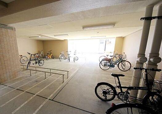 マンション(建物一部)-大阪市西区京町堀2丁目 屋根のある駐輪場あり