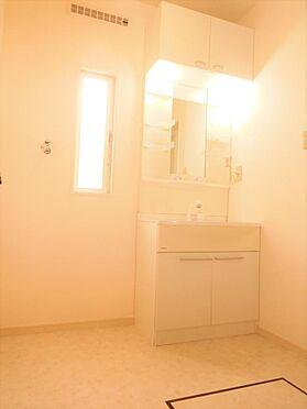 アパート-小金井市前原町2丁目 シャワー水栓付き洗面化粧台。