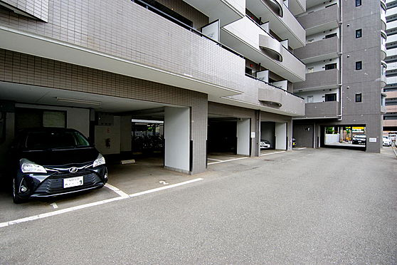 マンション(建物一部)-福岡市中央区渡辺通3丁目 駐車場
