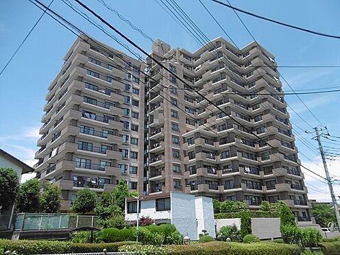 中古マンション-多摩市永山1丁目 雁行型で角住戸も多く配置できています。
