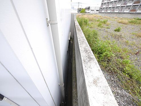 店舗・事務所・その他-北九州市小倉北区霧ケ丘3丁目 北側の隣地との境界です。