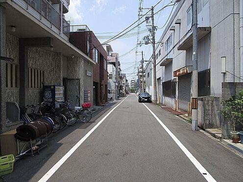 一棟マンション-大阪市東住吉区今川7丁目 現地を含む前面道路です。前面道路は公道広々約6mです。